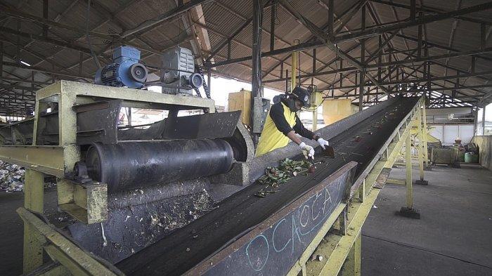 Pupuk Kaltim Luncurkan Program TPST & Budidaya Black Soldier Fly Tekan Penumpukan Sampah