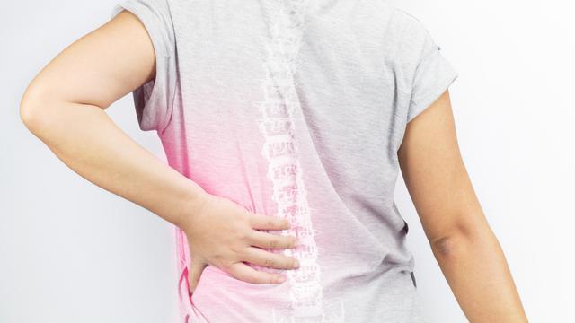 Tips Menjaga Kesehatan Tulang Belakang yang Wajib Diketahui